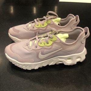 NIKE React Running shoe, women size 9